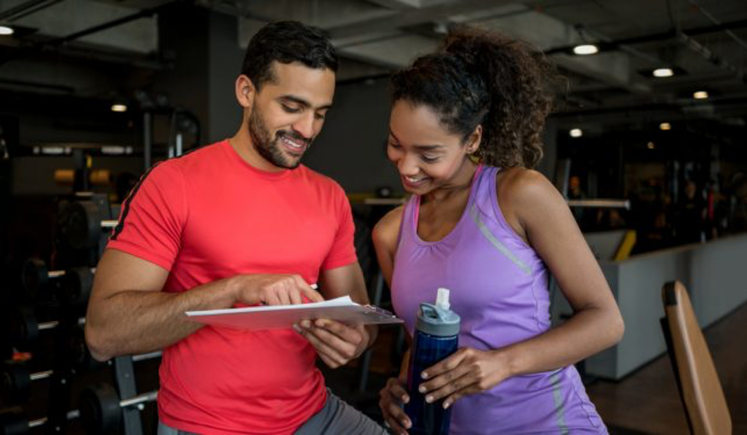 A PERSONAL TRAINER'S 4 STEP APPROACH TO ACHIEVING NEW YEAR'S RESOLUTIONS:
