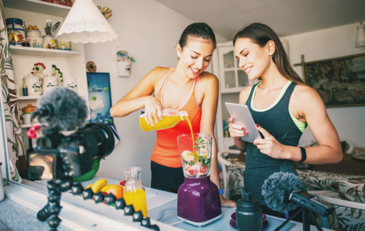 7 QUESTIONS ALL NUTRITION COACHES NEED TO KNOW HOW TO ANSWER: