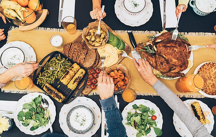 APPROACHING THANKSGIVING WITH A HEALTHY MINDSET